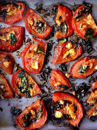 Vegan roasted tomatoes