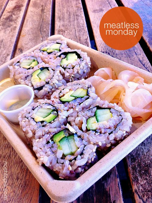 Meatlessmonday vegan sushi roll