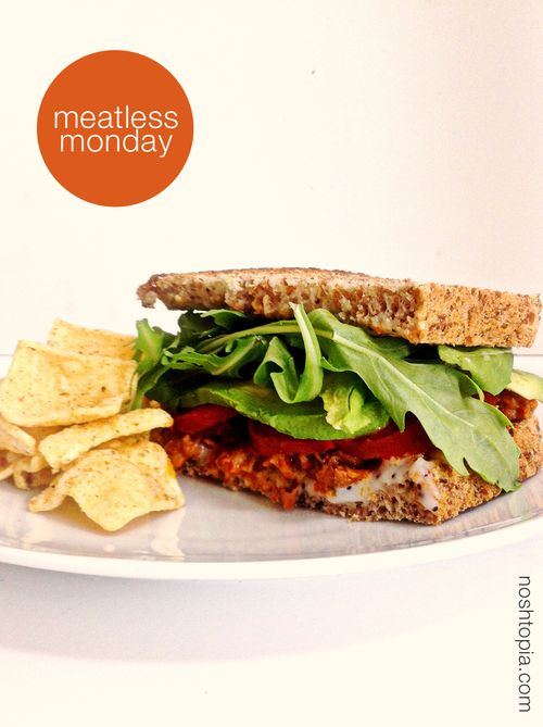 Meatless-sandwich-fava