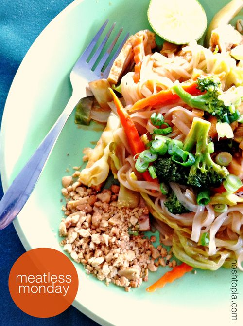 Meatless Monday Vegetarian Pad Thai