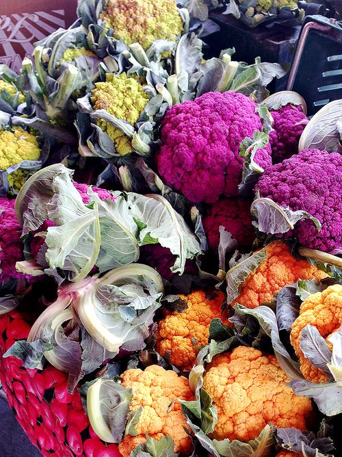Farmers-market-color-cauliflower